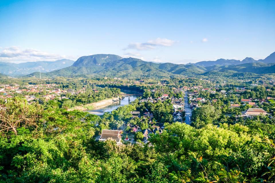 Vista de la línea Luang Prabang Sky City Scape