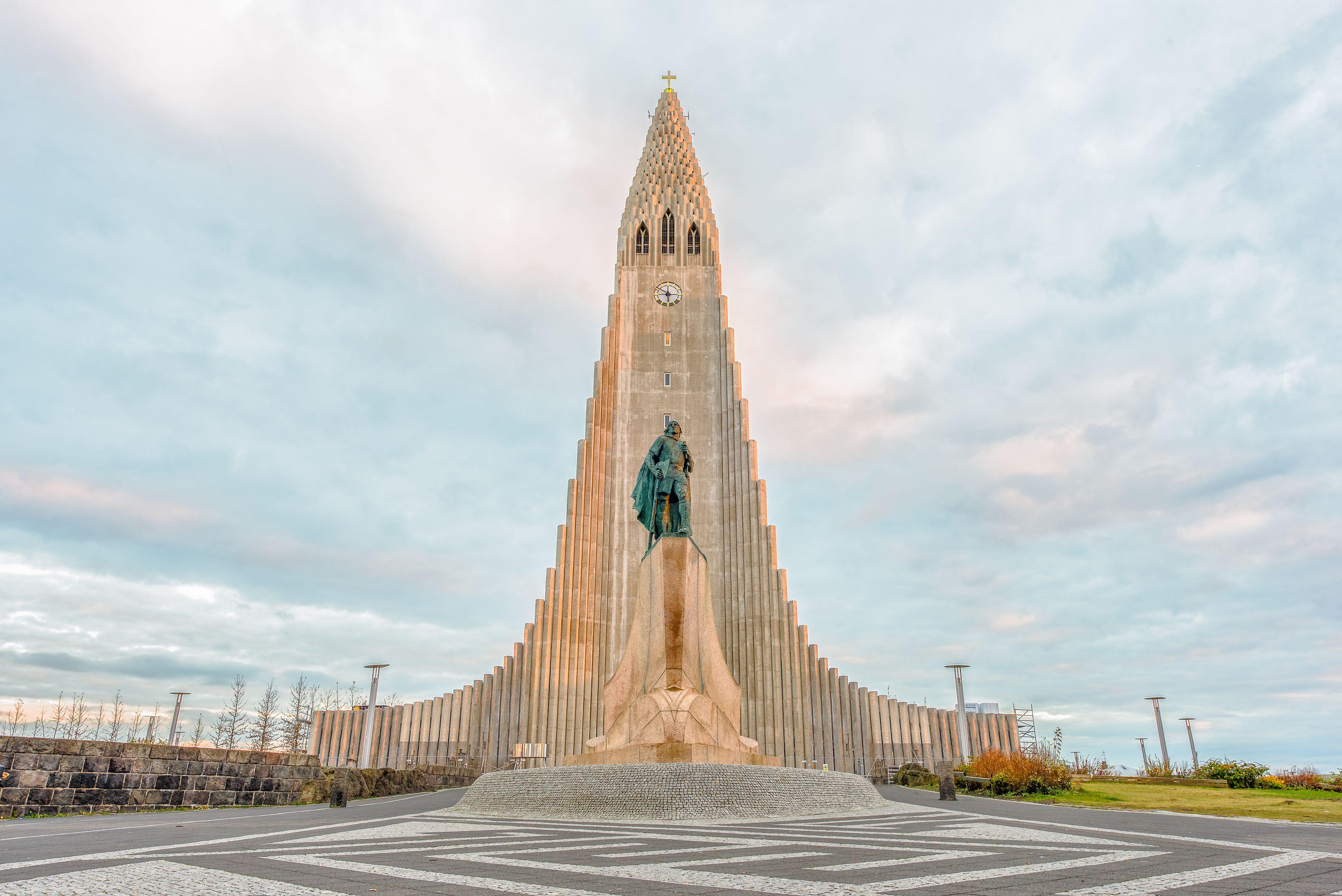 Enjoy Seven Days in Iceland