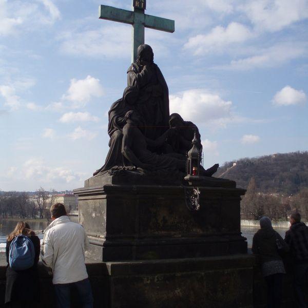 Pieta en el Puente de Carlos Praga