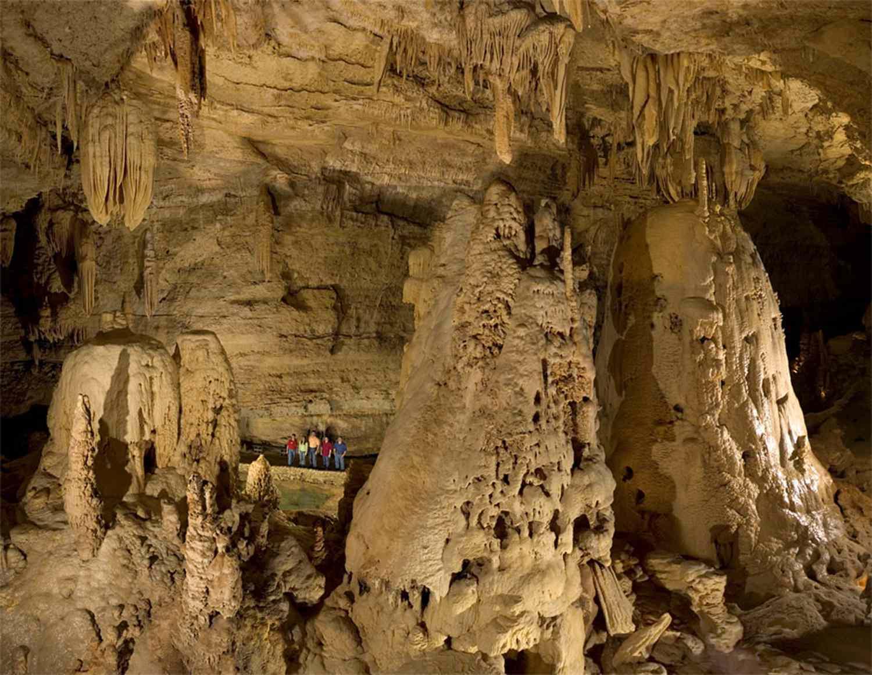 Cavernas de puente natural