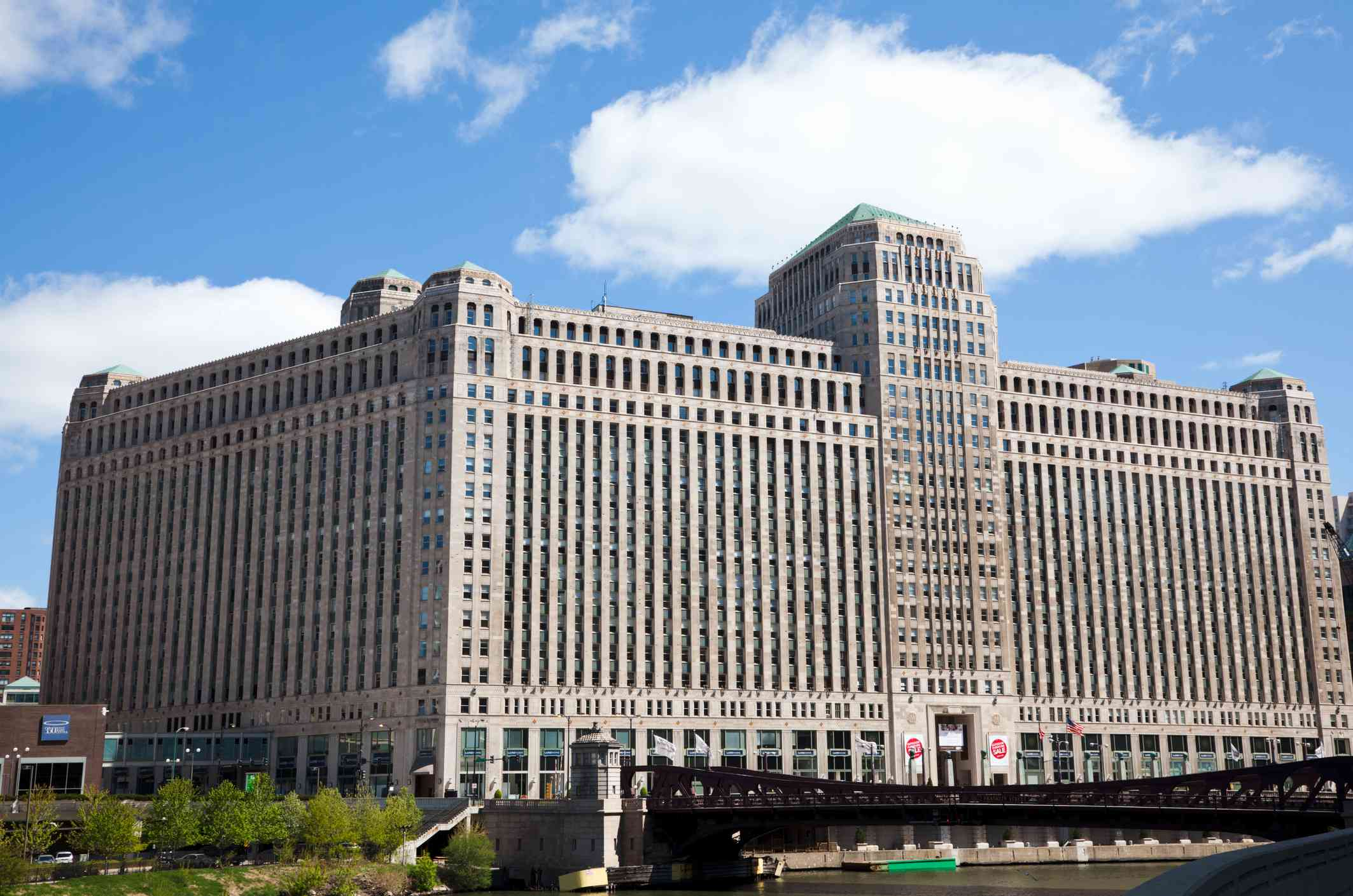 Merchandise Mart building in downtown, located by Chicago River. Photographed here from southwest side.