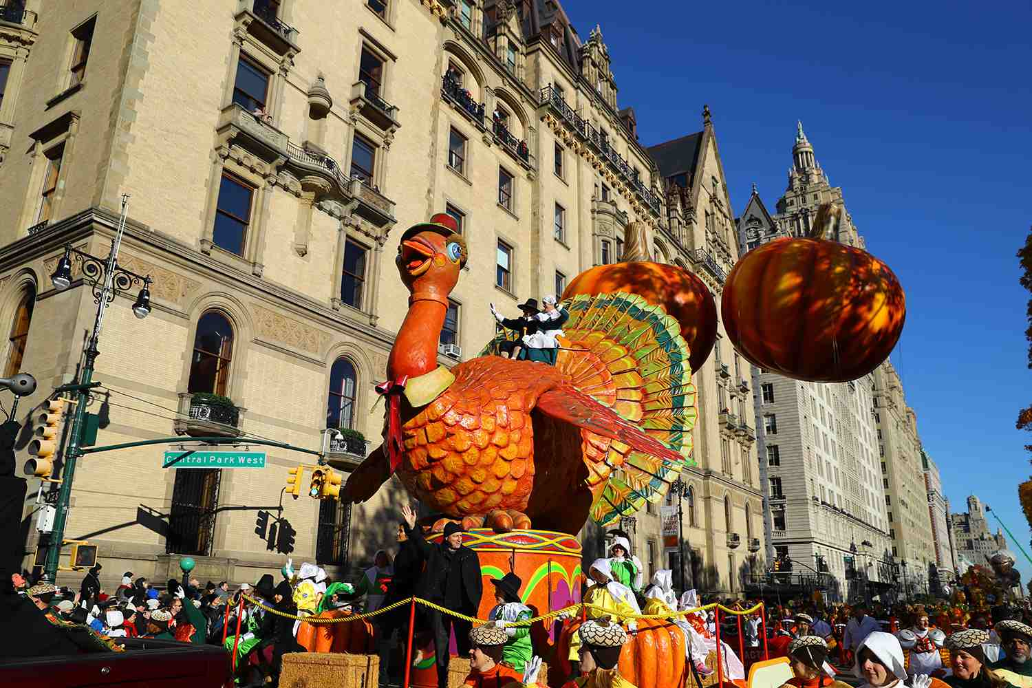 Thanksgiving Weekend Getaway Ideas and Deals