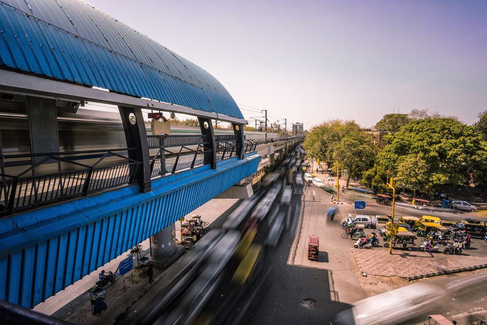 Nueva Delhi elevada estación de metro