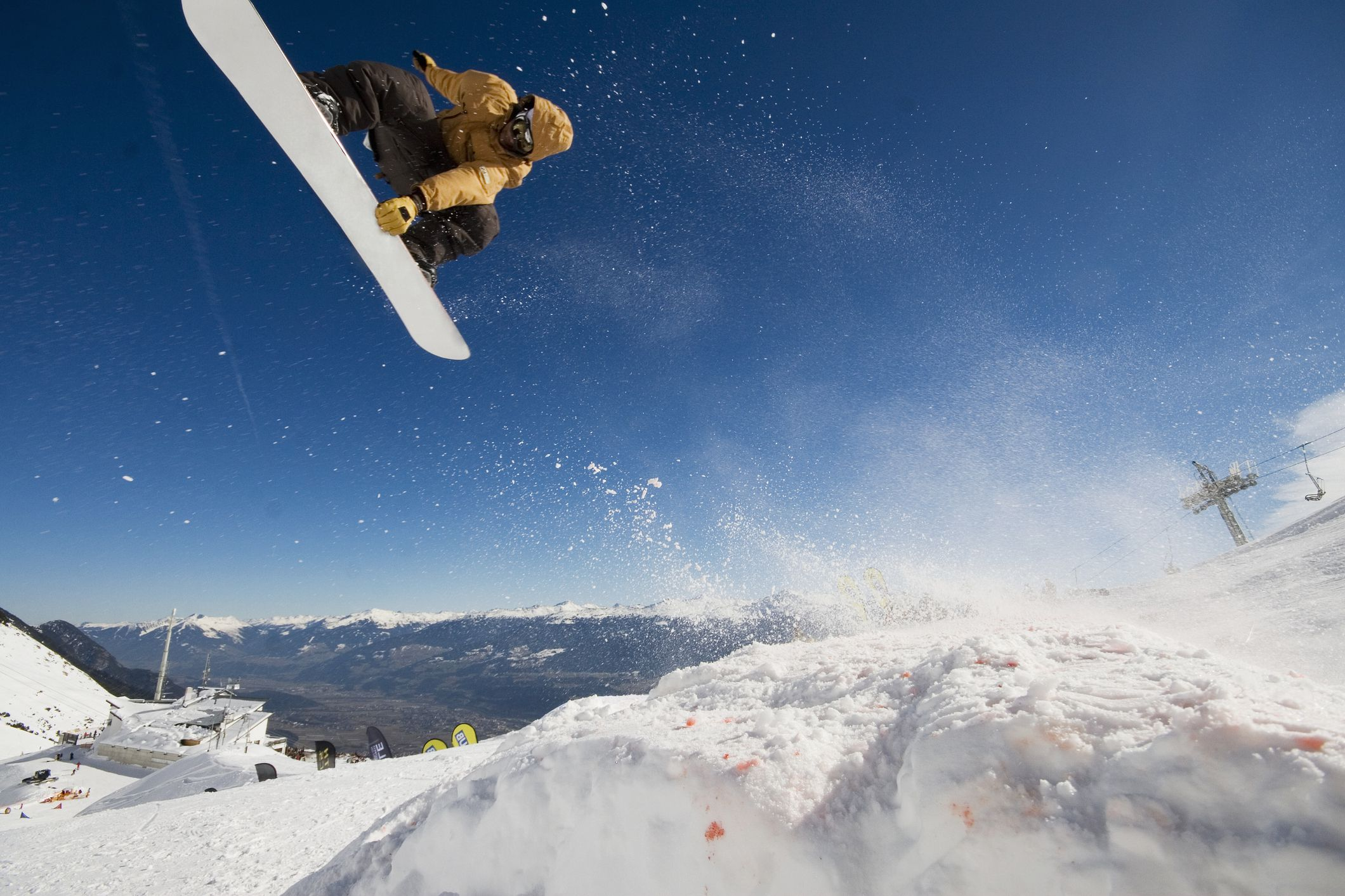 The 8 Best Freestyle Snowboards of 2021