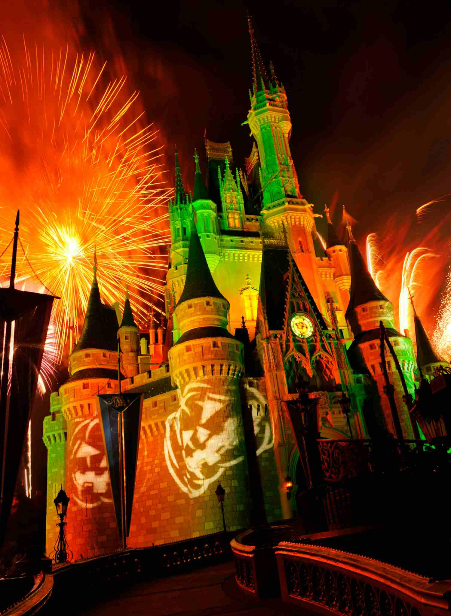 a complete guide to the fireworks shows at disney world