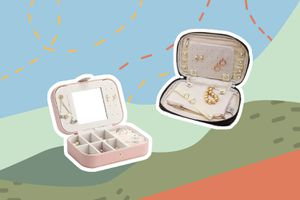 TRIPSAVVY-best-travel-jewelry-cases