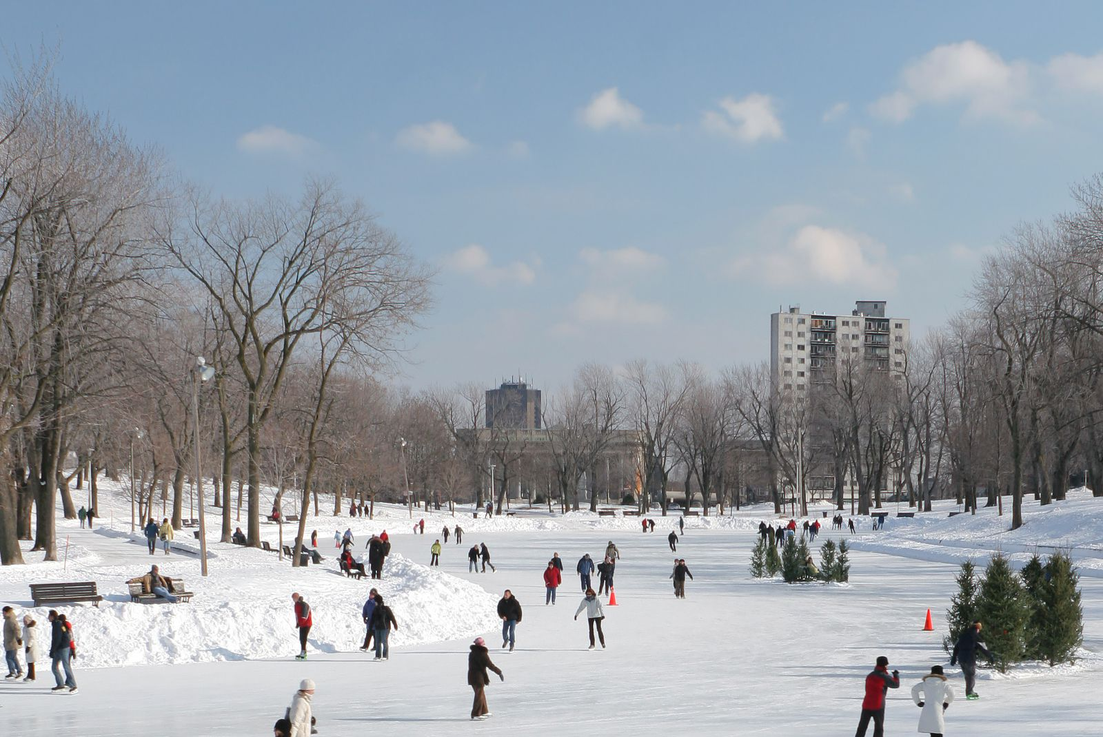 Skating montreals parc la fontaine ice paths 2017 2018 solutioingenieria Choice Image