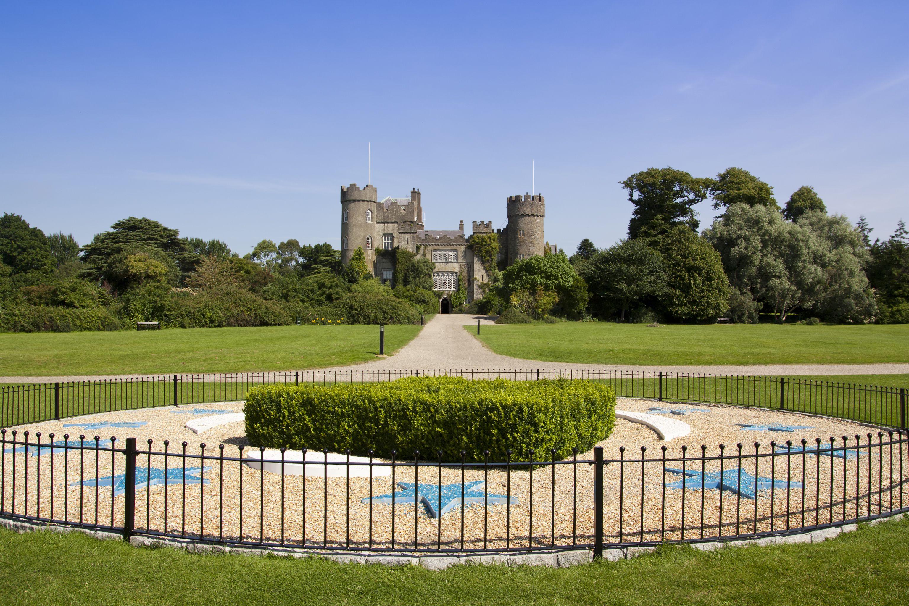 Castillo de Malahide cerca de Dublín Irlanda