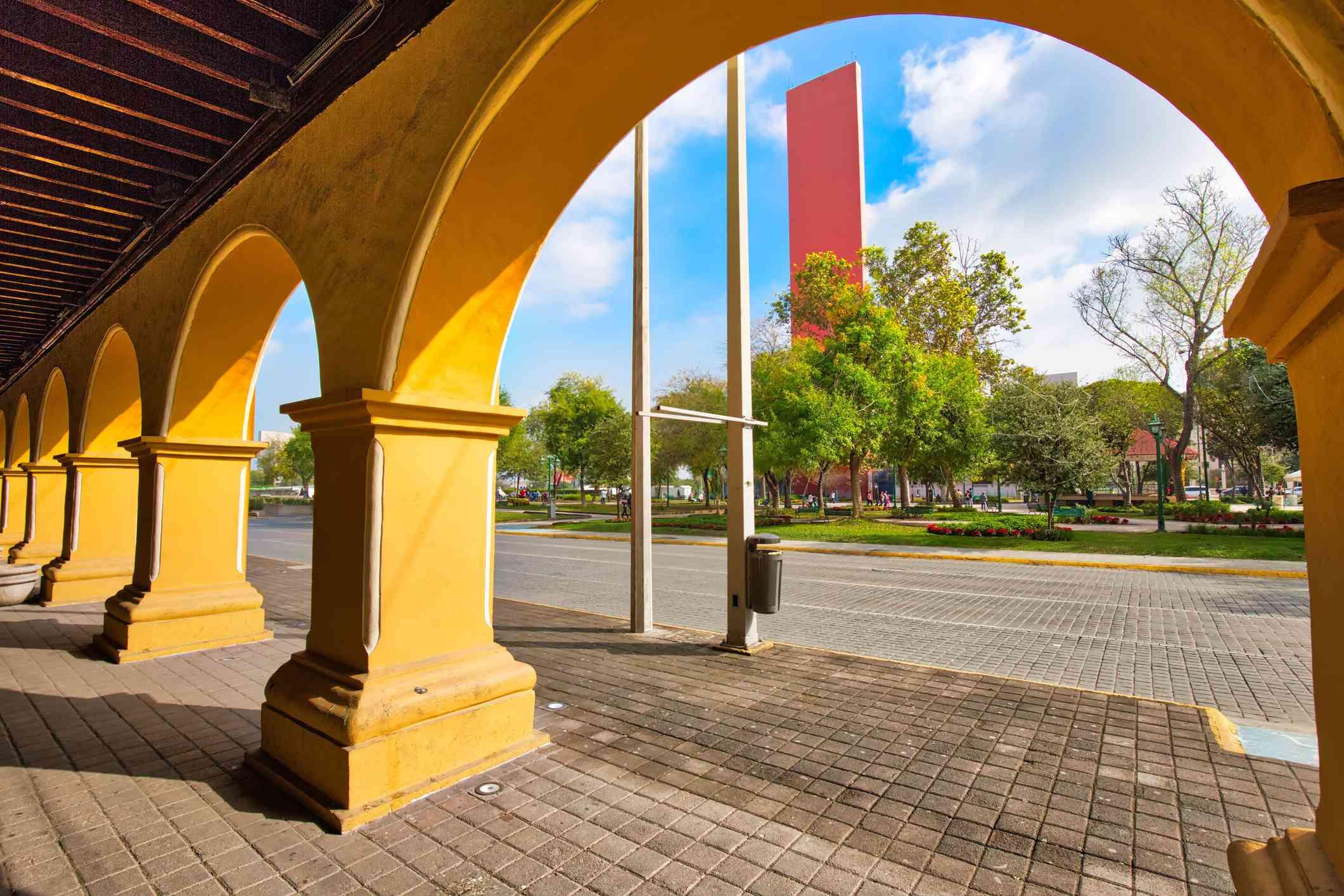Monterrey, Landmark Macroplaza square in the city historic center
