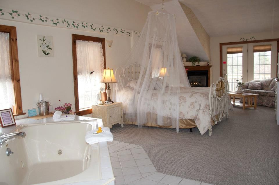 Guest room in the Stagecoach House Inn