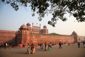 effects of pollution on red fort