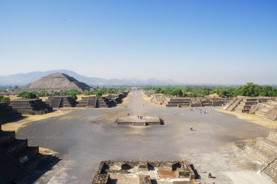 Wide shot of the plaza at Teotihuacán
