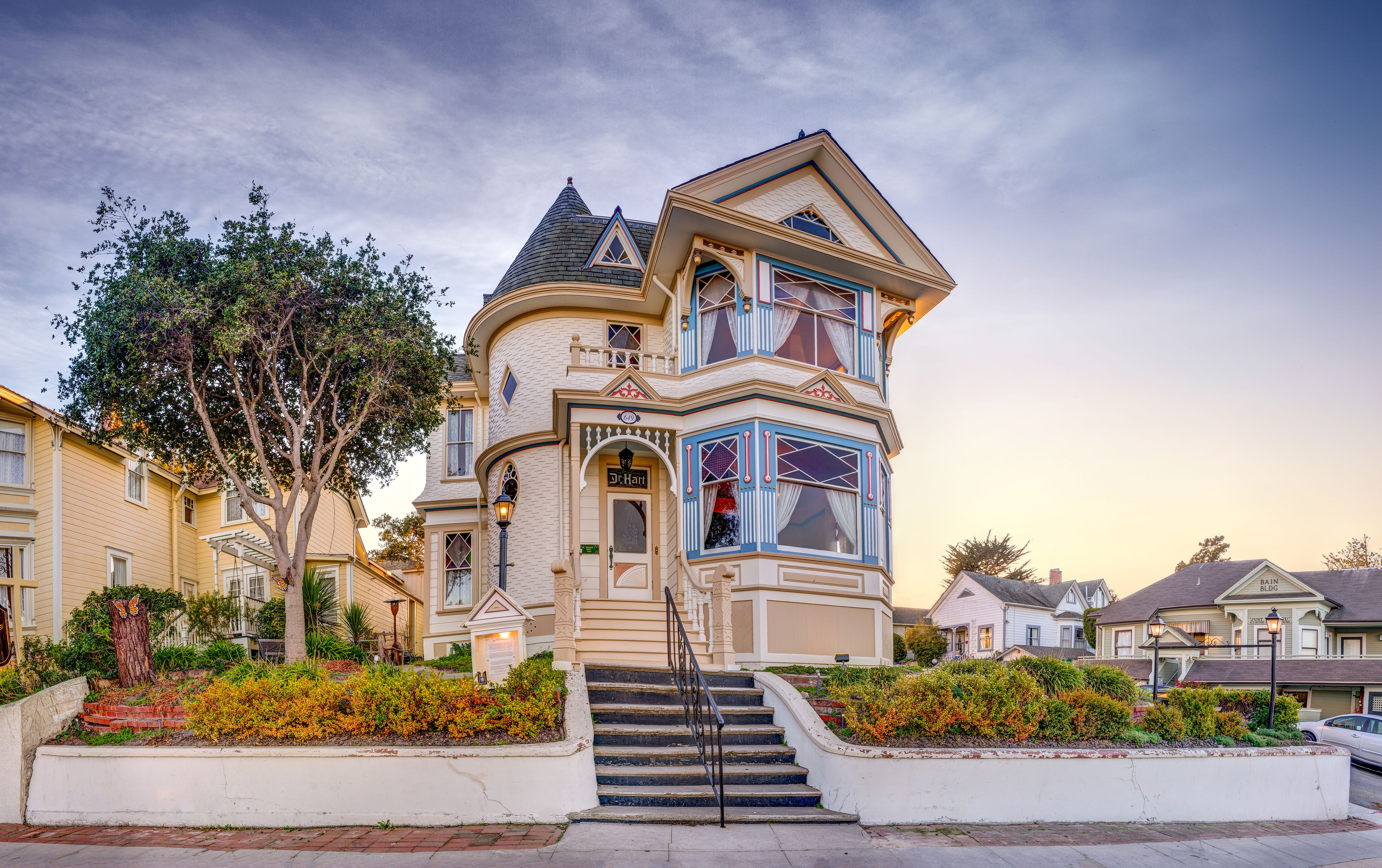 Dr. Hart's Mansion in Pacific Grove, California