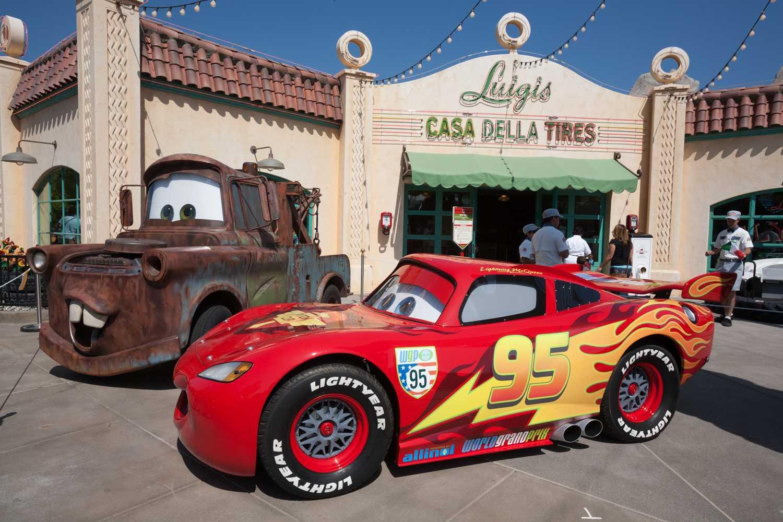 Mater and Lightning McQueen