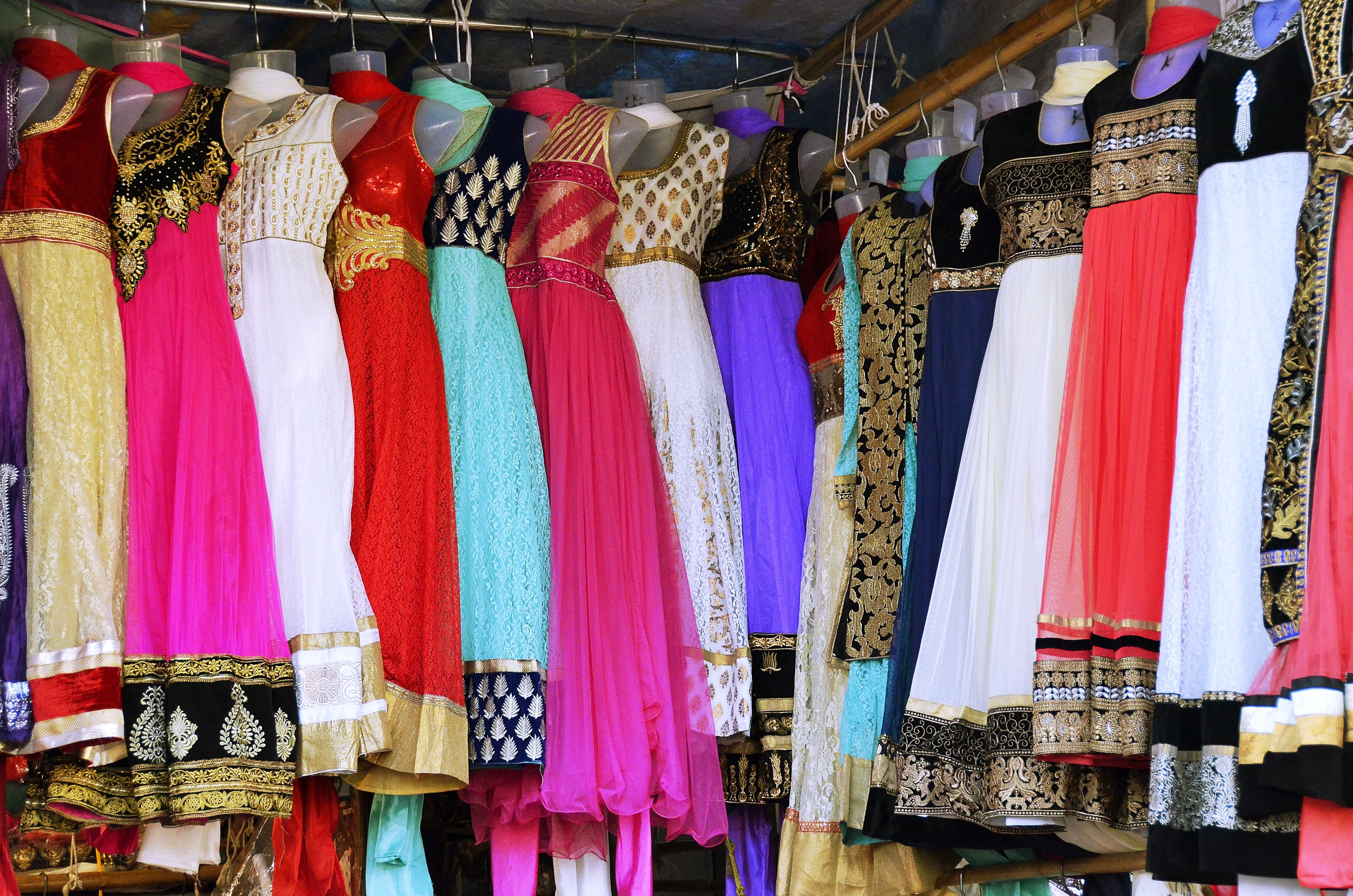 Vestidos indios en Linking Road, Bandra
