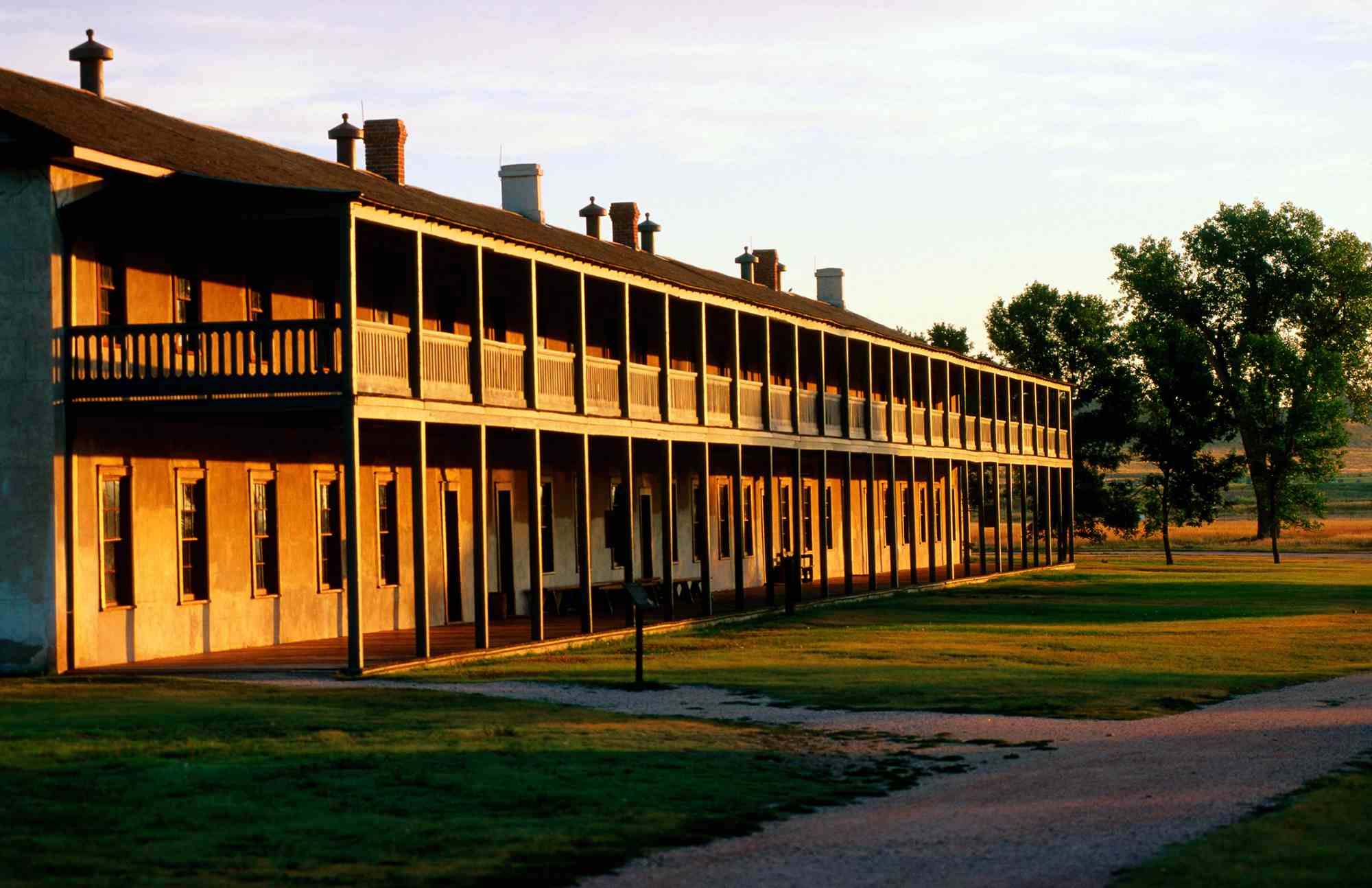 Cuarteles de caballería en el sitio histórico nacional Fort Laramie