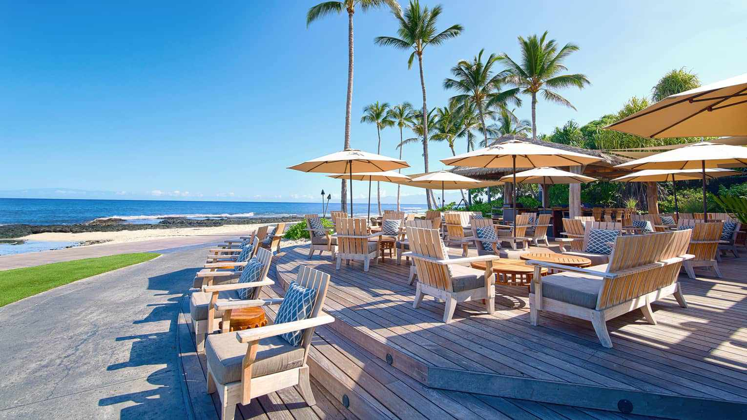 outside dining overlooking the ocean