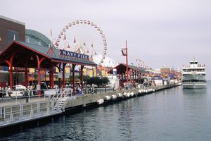 Navy Pier on the waterfront, Chicago, IL