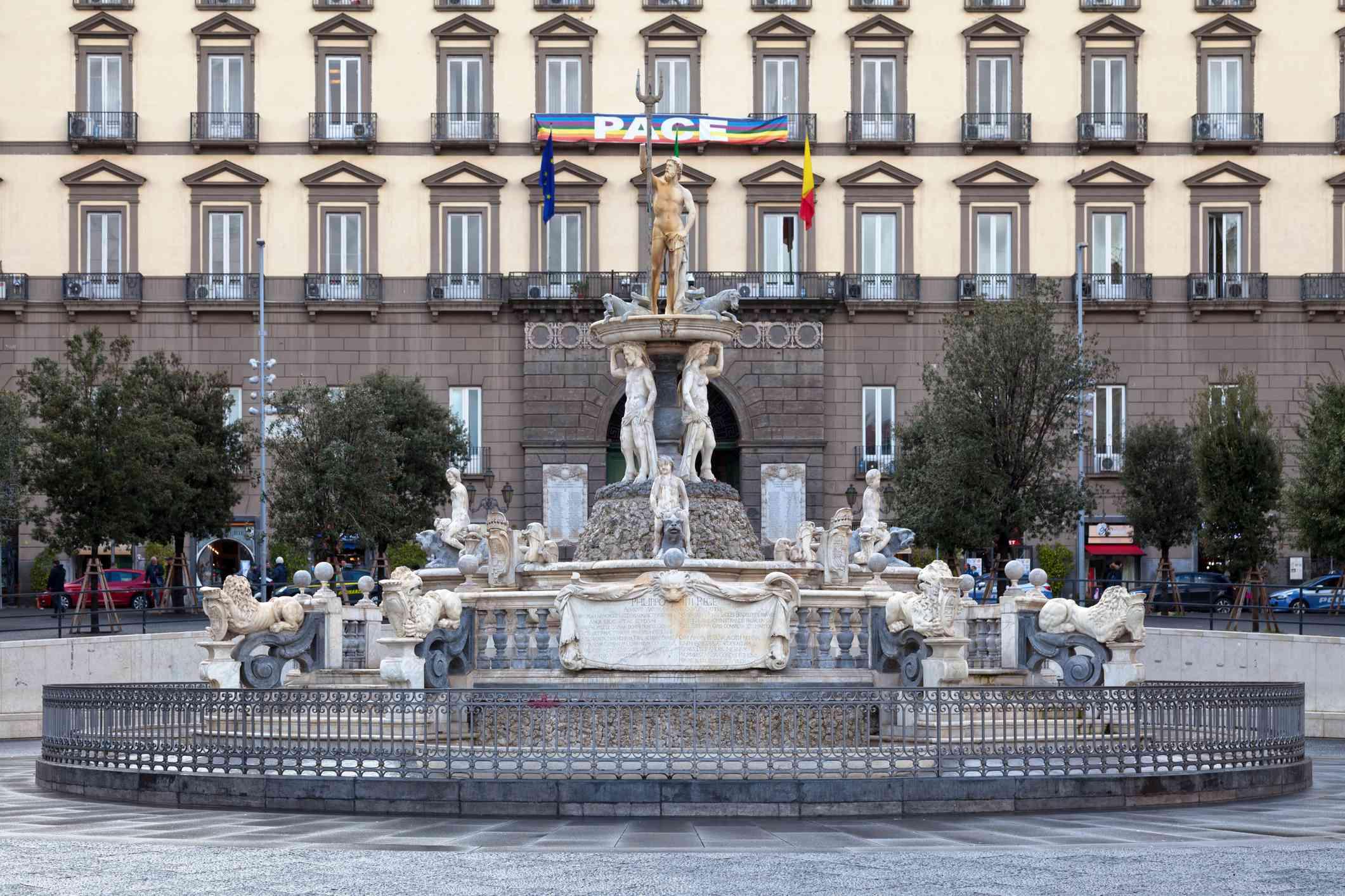 Fountain of Neptune, Naples