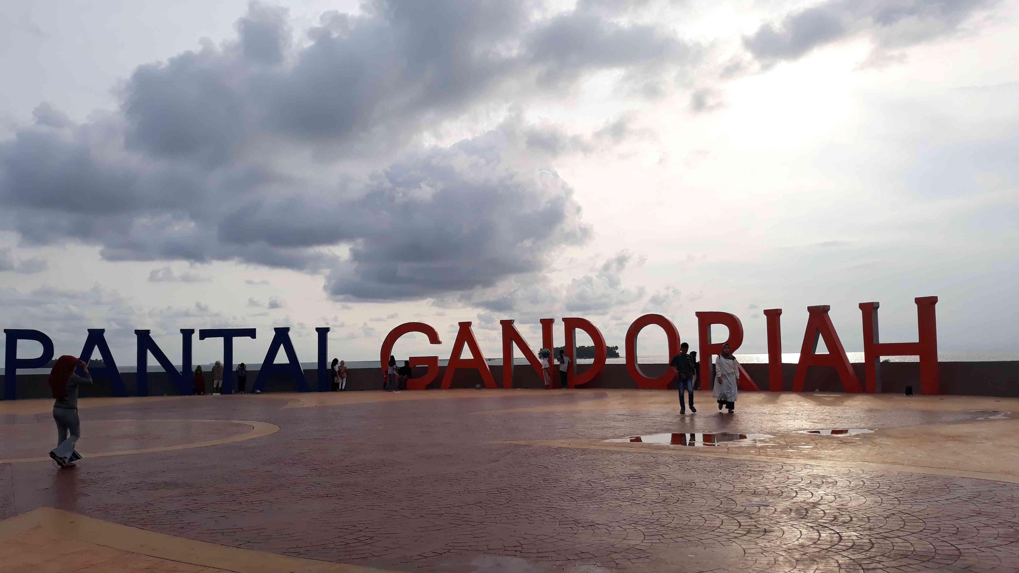 Gandoriah Beach, Pariaman