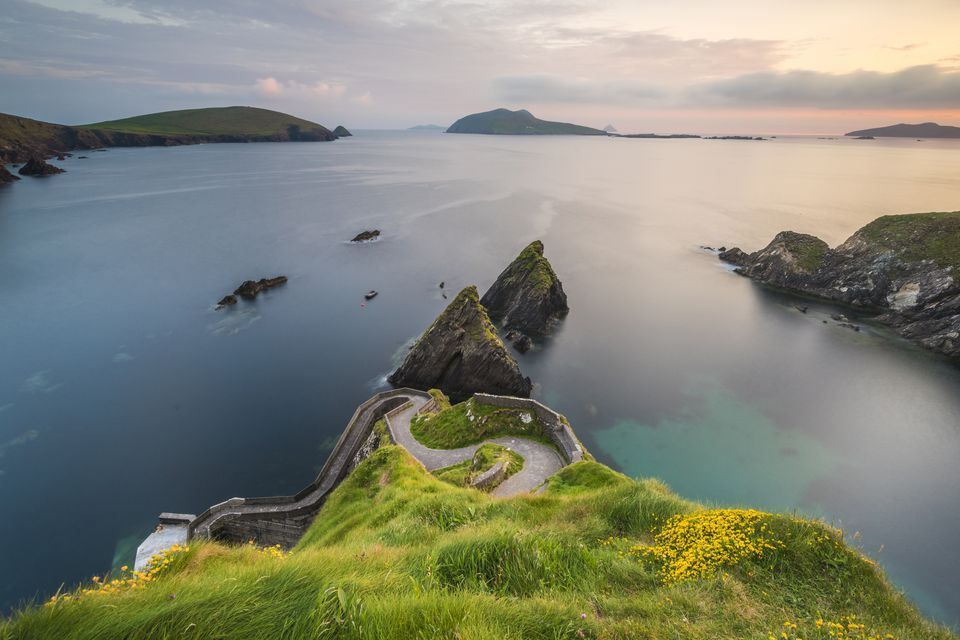 Dunquin pier (Dún Chaoin), Dingle peninsula, County Kerry, Munster province, Ireland, Europe.