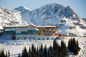 Canada, British Columbia, Whistler, Whistler Mountain and ski lodge