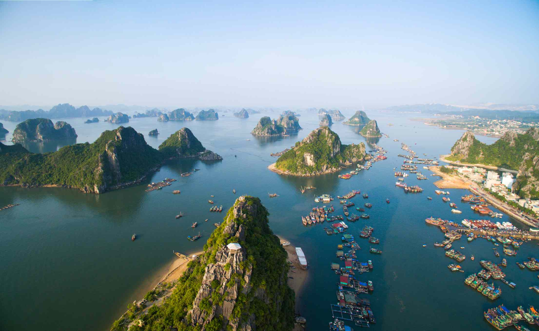 5 Interesting Attractions in Vietnam, from Ha Long Bay to The Charming Sand Dunes