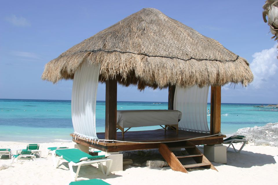 Massage on the beach in Cancun