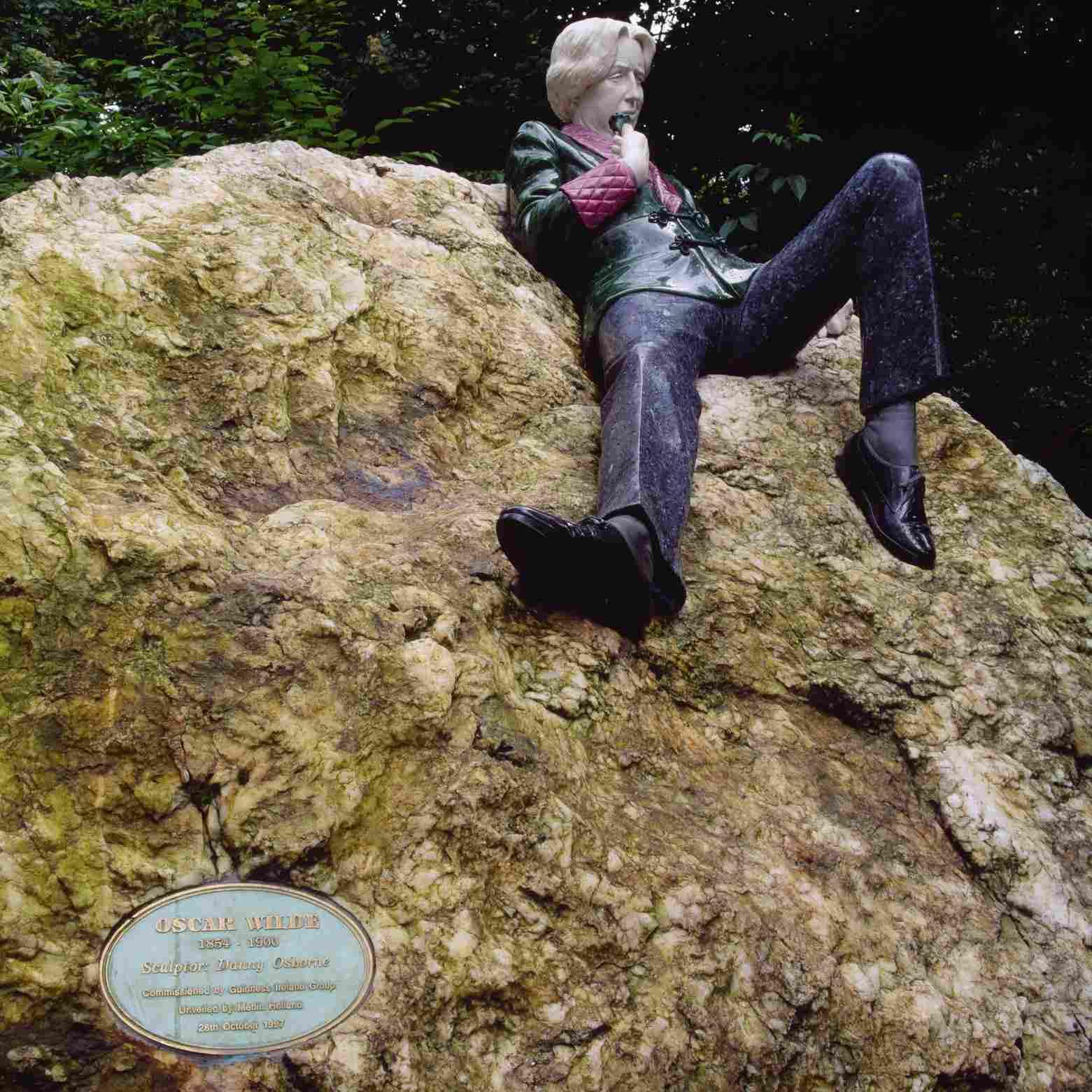 Oscar Wilde Memorial in Merrion Square