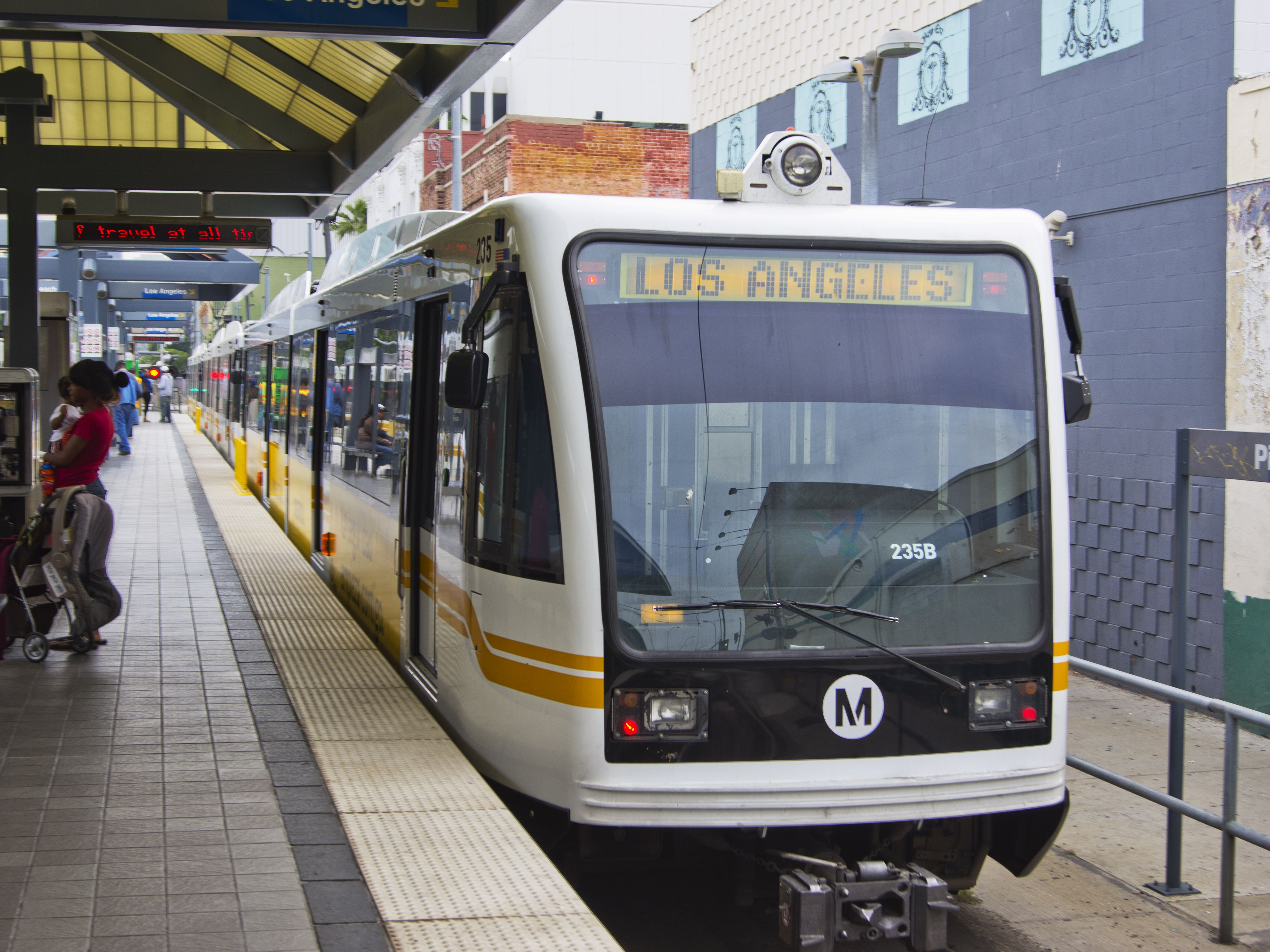 Getting Around Los Angeles: Guide to Public Transportation