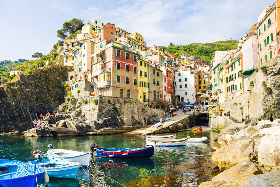Riomaggiore Italy Map.Travel Guide To The 5 Cinque Terre Villages In Italy