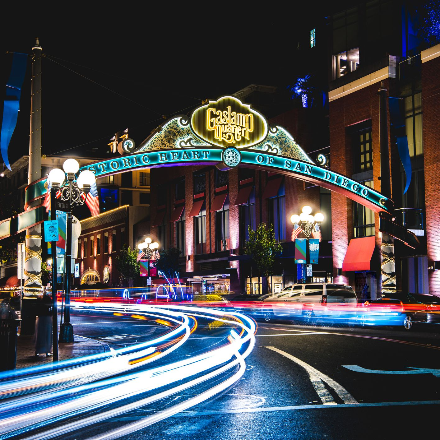 Nightlife in San Diego: Best Bars, Clubs, & More