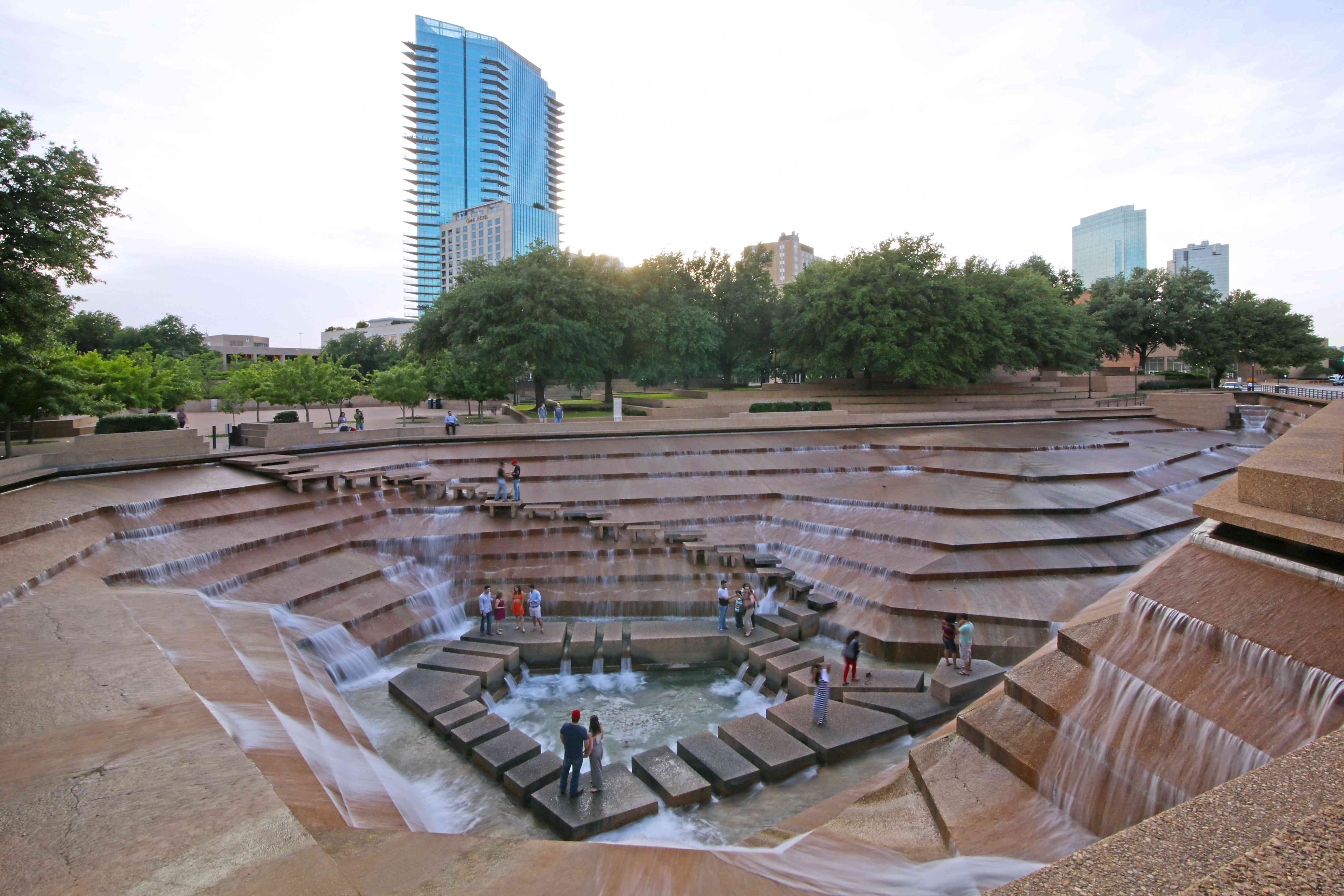 Wide shot of the Fort Worth Water Gardens
