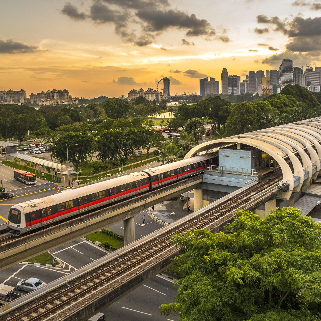 Getting Around Singapore: Guide to Public Transportation