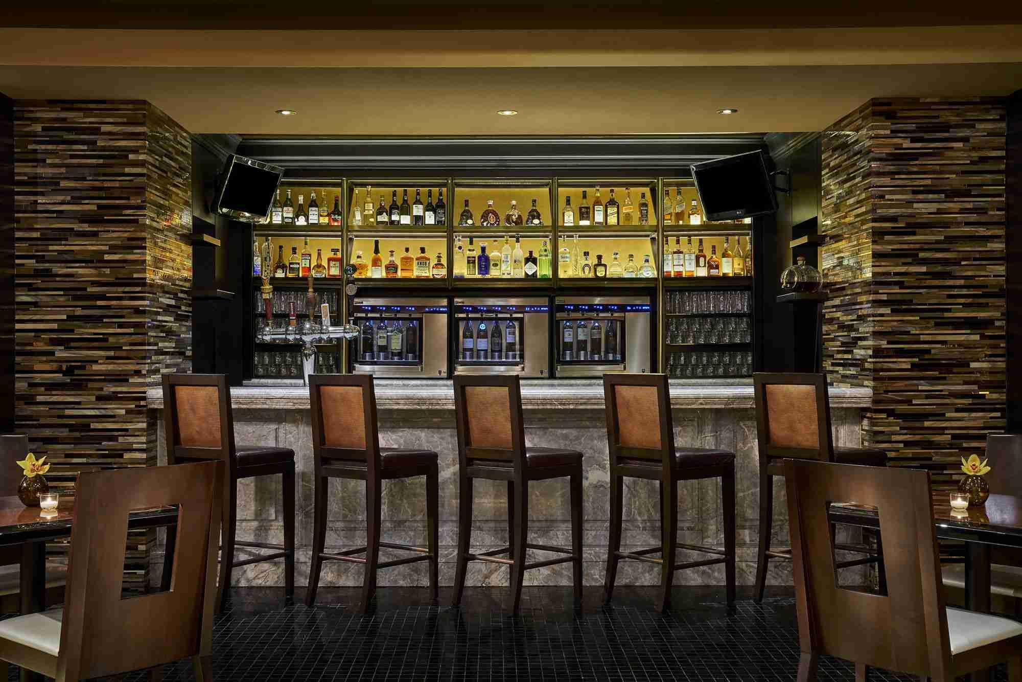 Entyse Wine Bar & Lounge