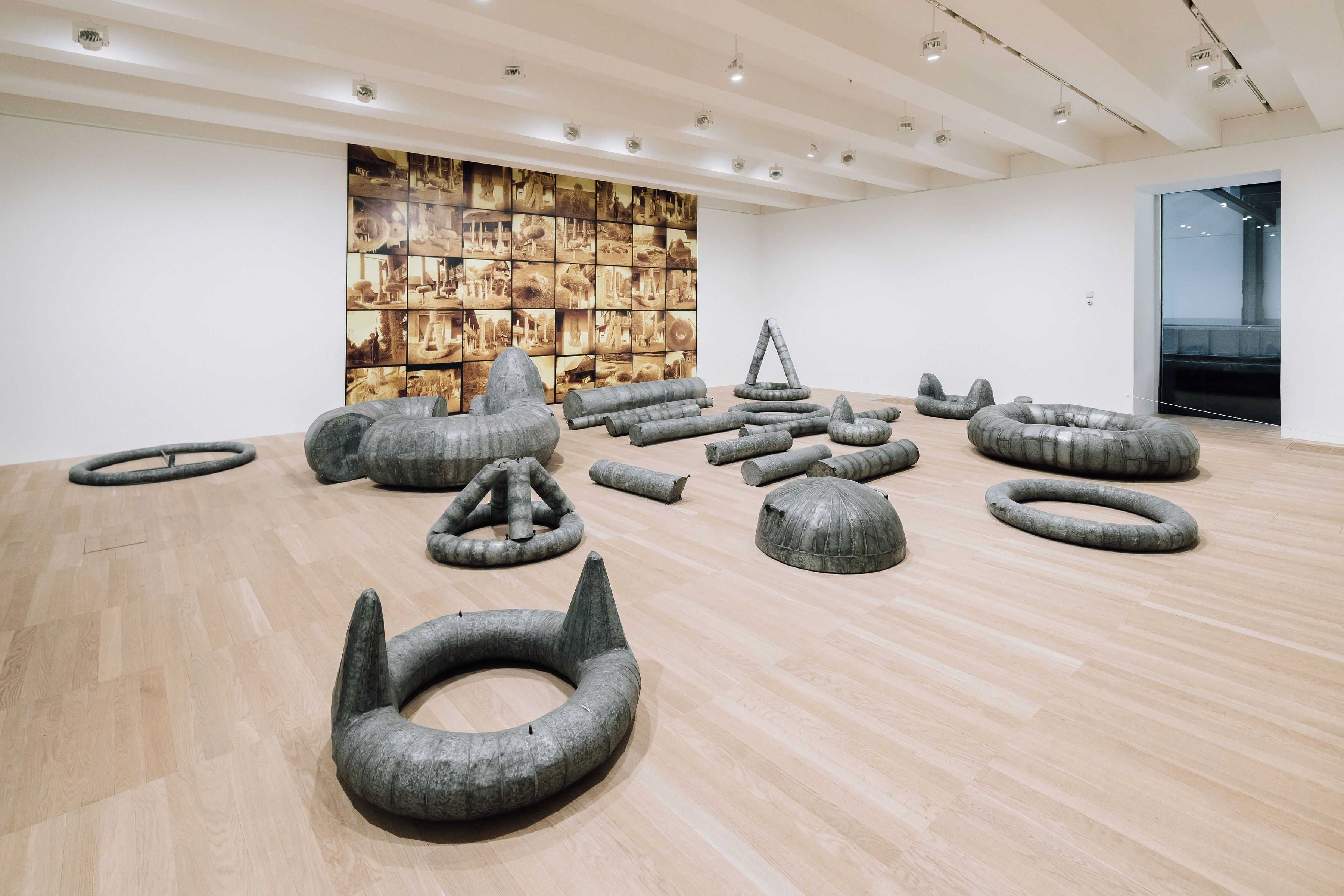 Sculptures in the art museum
