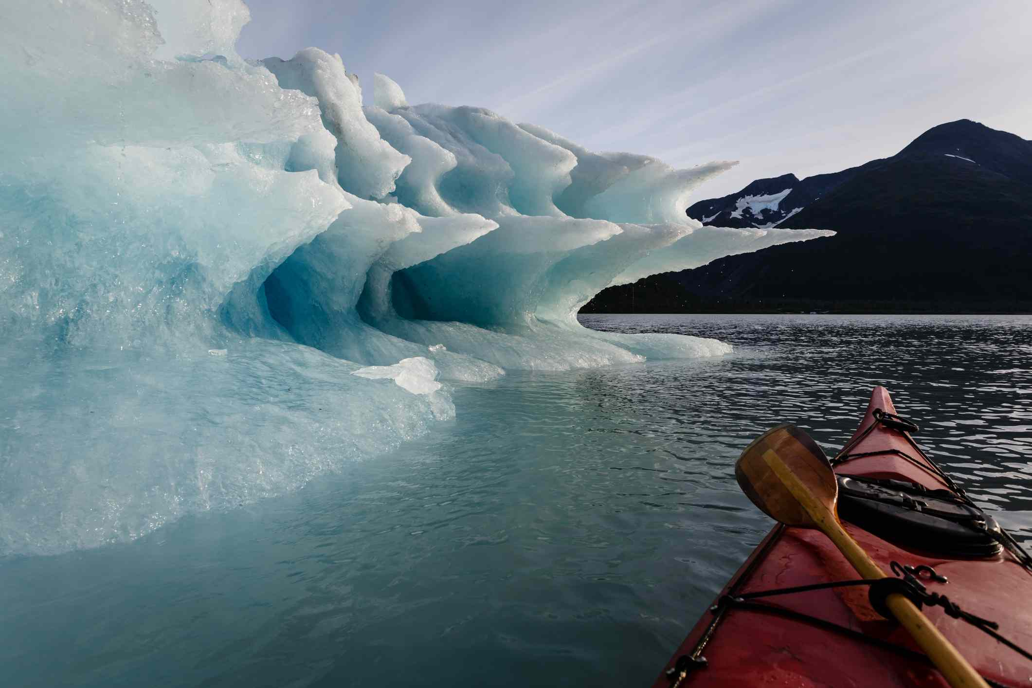 Kayak por el glaciar de Alaska
