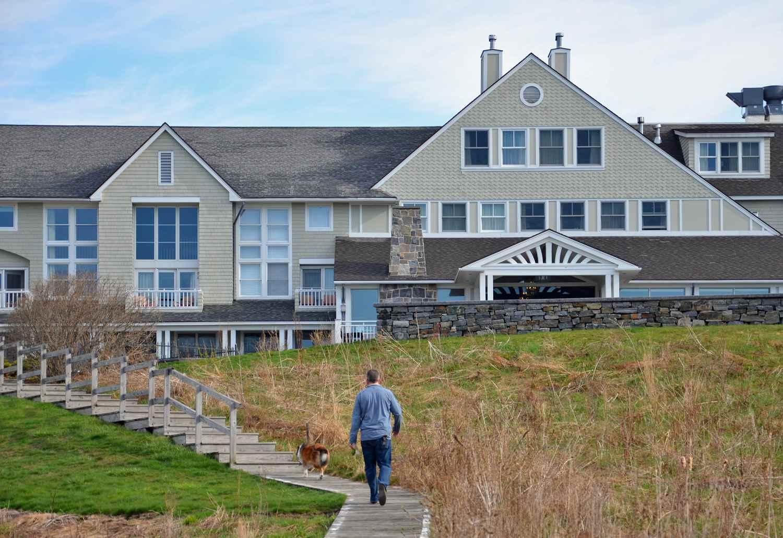 Maine Dog-Friendly Inn by the Sea