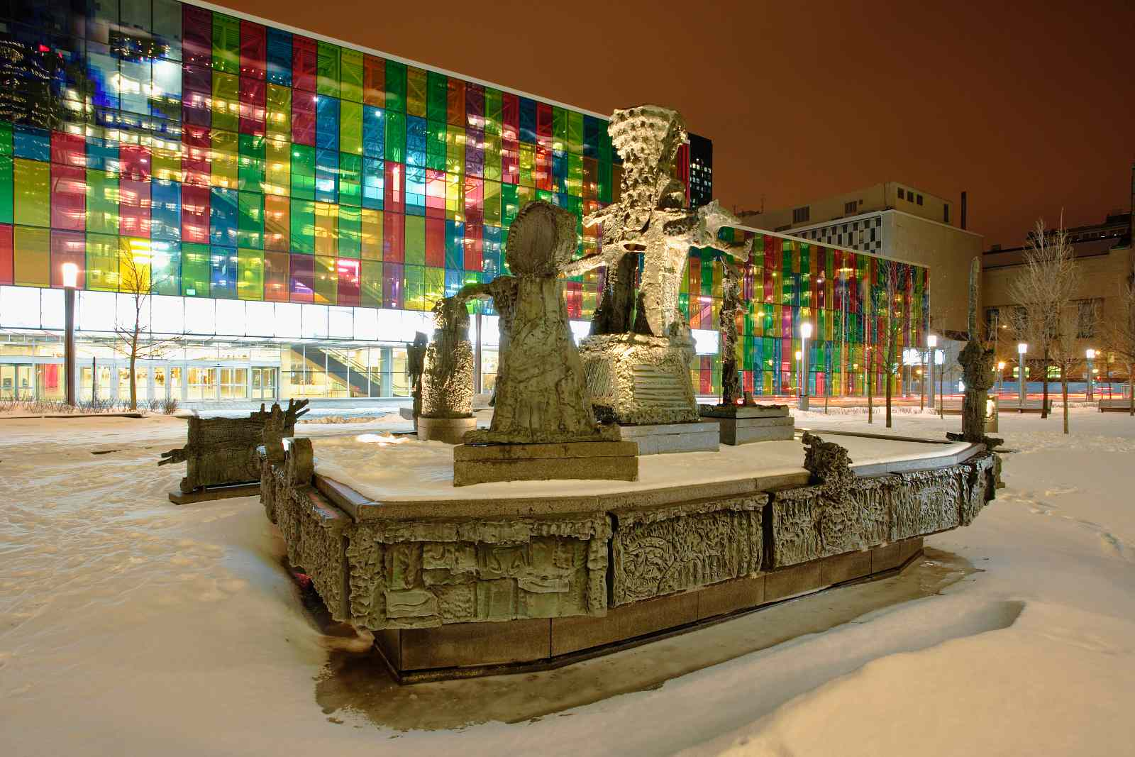 Montreal winter hotels include these choice Montreal convention centre Palais des congrès accommodations.