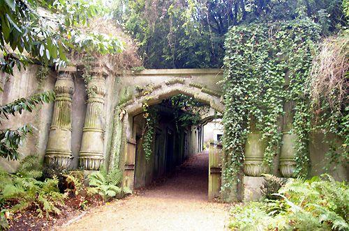 Egyptian Corridor, West Cemetery, Highgate Cemetery, London