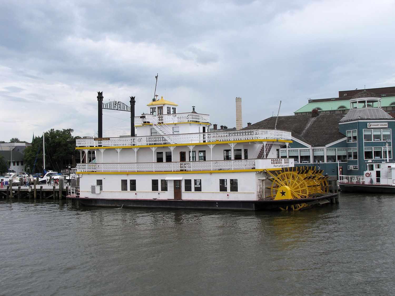 Alexandria Cherry Blossom Boat