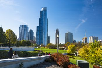 November in Chicago: Weather and Event Guide