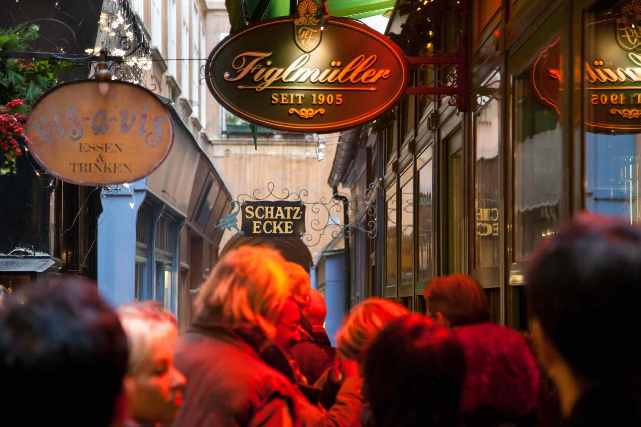 Figlmueller Vienna más famoso restaurante Wiener Schnitzel , Austria
