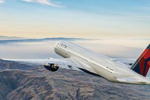 Delta A350 in flight