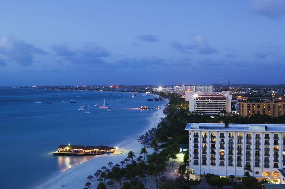 hotels along the beach in aruba
