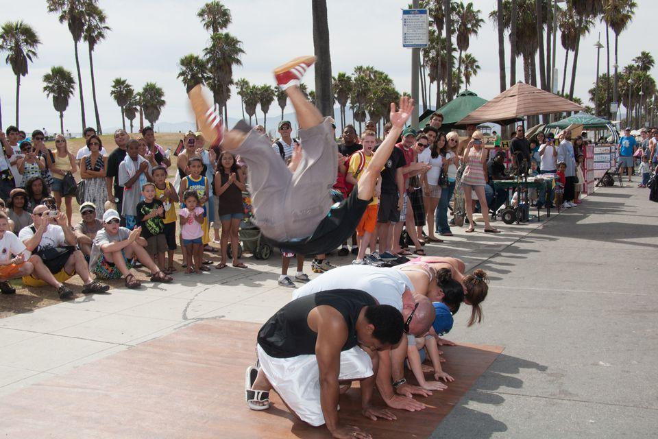Street Performers On Venice Beach Boardwalk