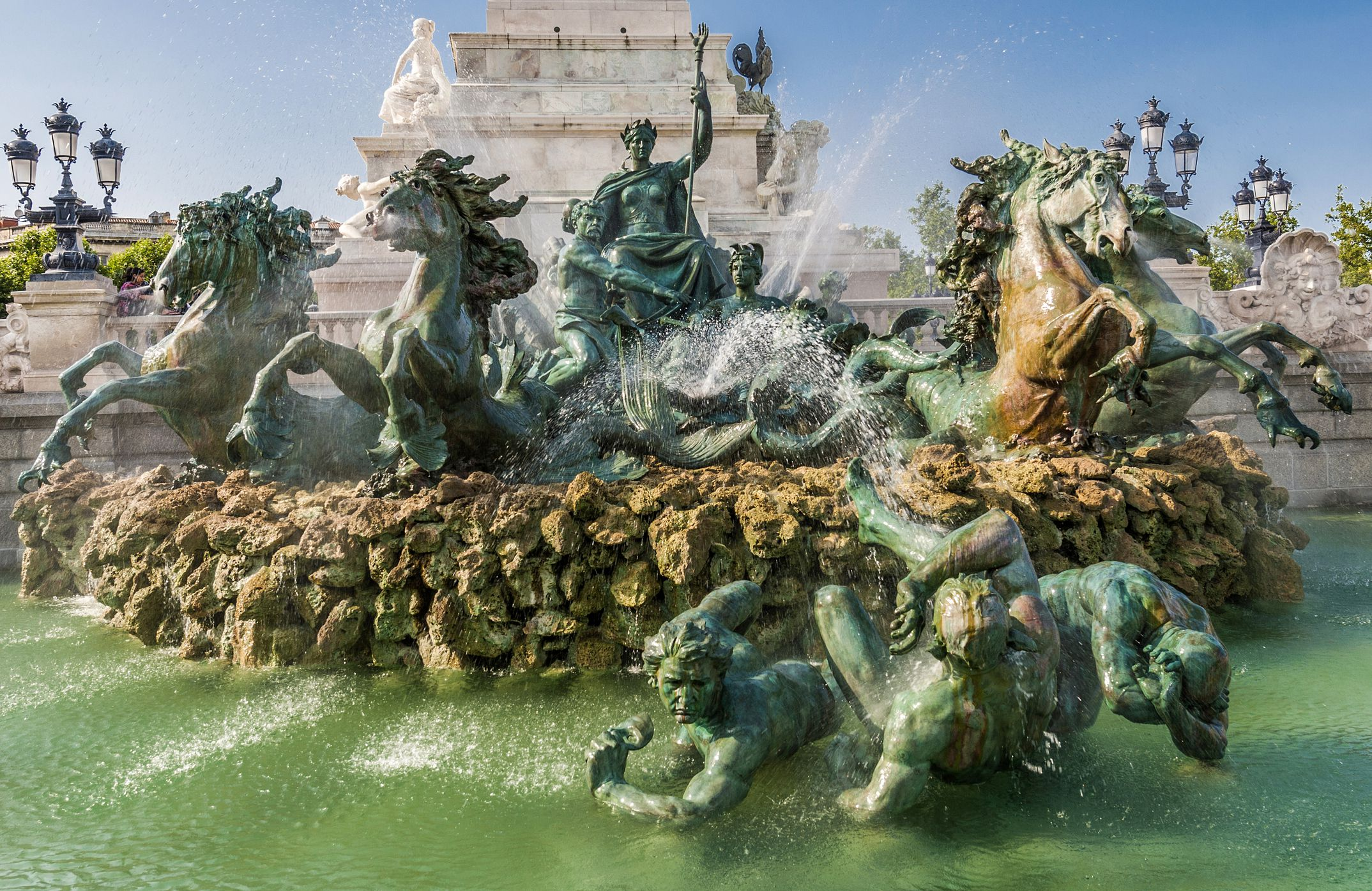 France, Bordeaux, Chartrons neighborhood, Esplanade des Quinconces, fontain of the monument aux Girondins