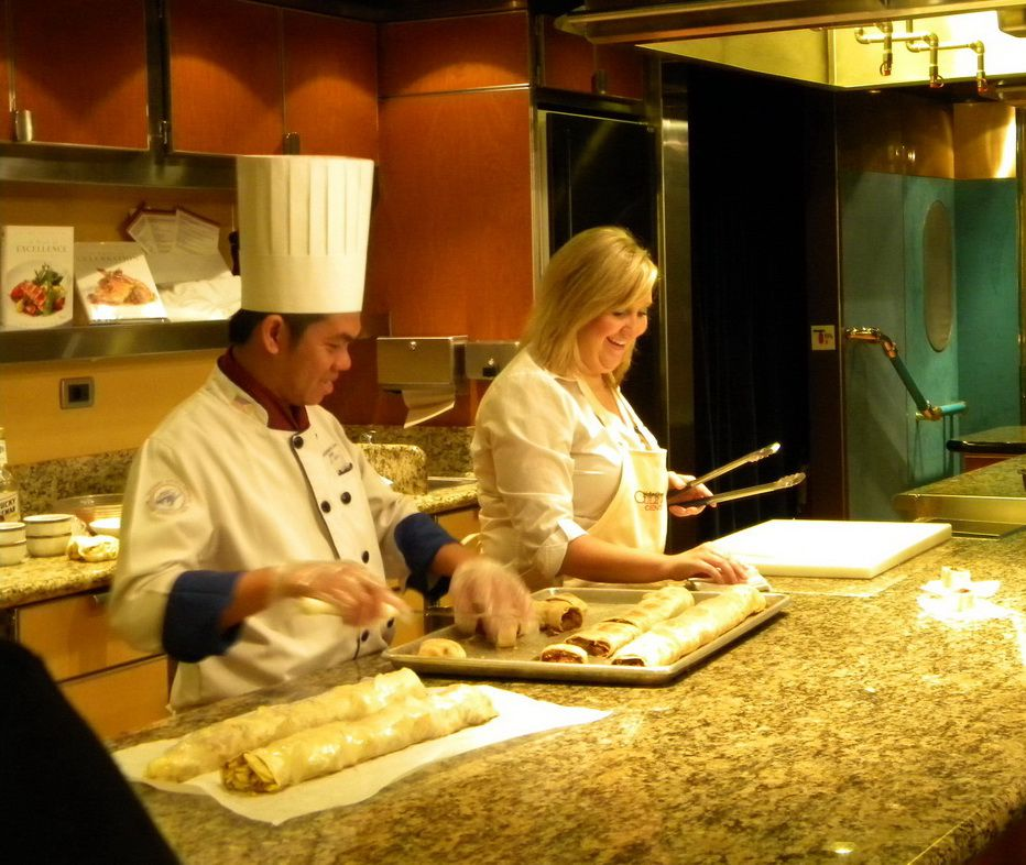 Cooking demonstration in the Culinary Arts Center of the Maasdam