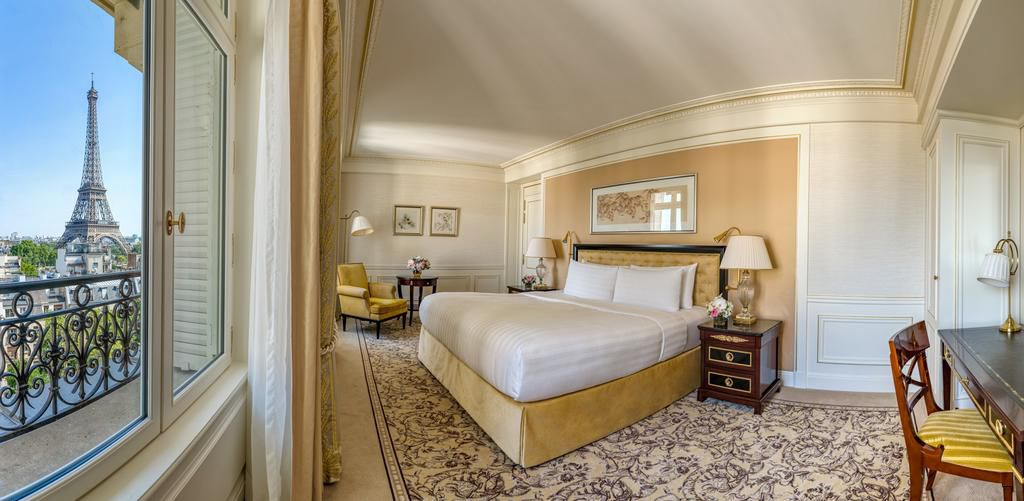 Room at the Shangri-La Hotel, Paris