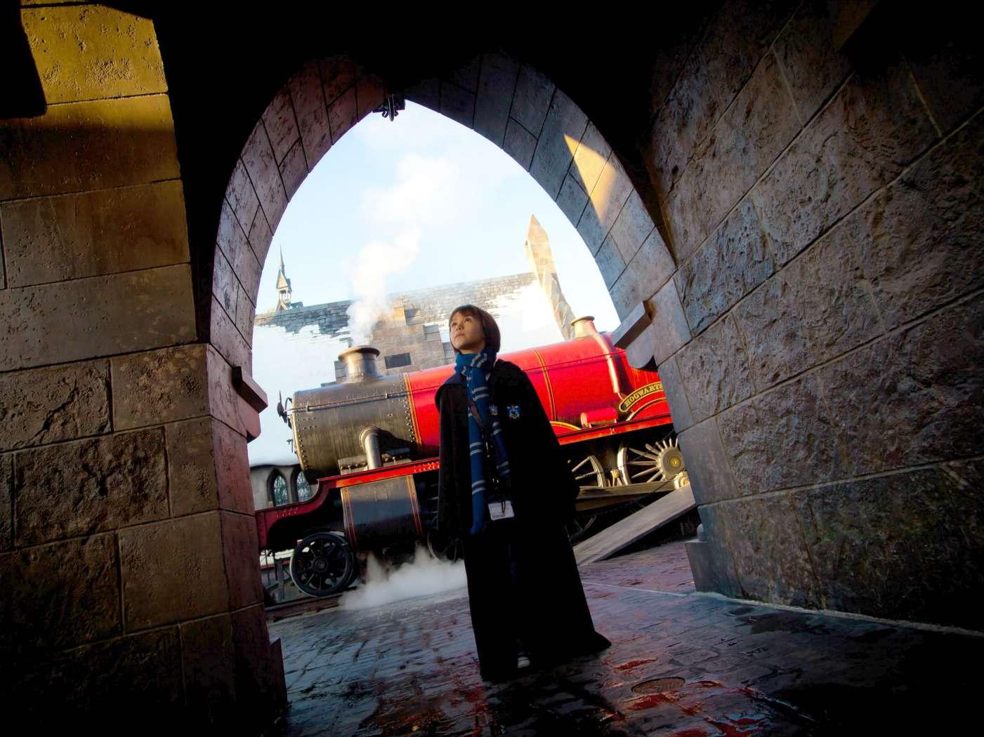 Hogswart Express at Hogsmeade